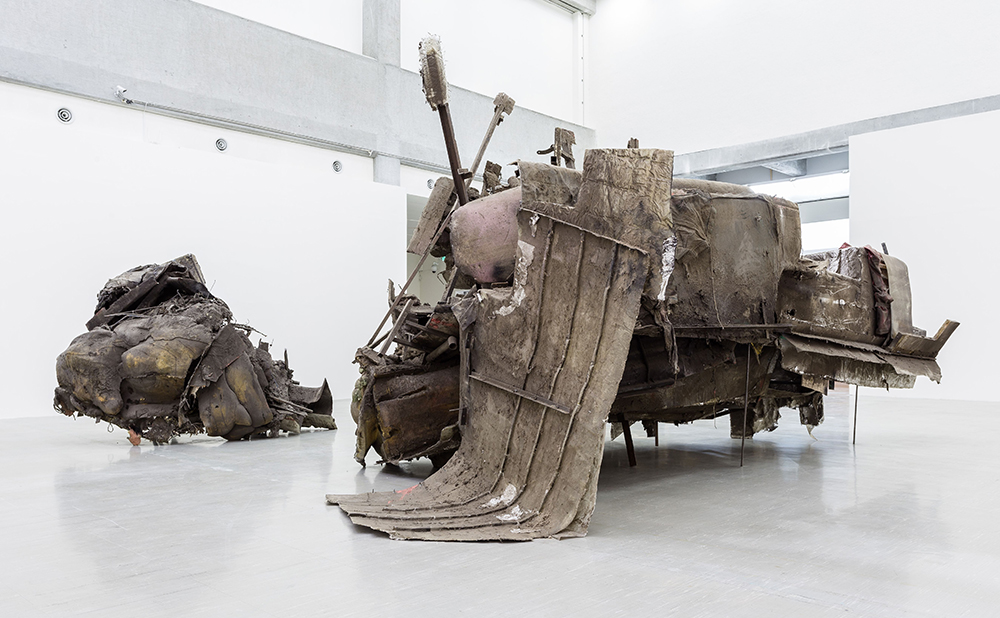 Peter Buggenhout 'The Blind Leading The Blind' #35 (2010) (left), #64 (2014) (right). Courtesy of Konrad Fiocher Galerie, Galerie Laurent Godin Gladstone Gallery and Taipei Fine Arts Museum