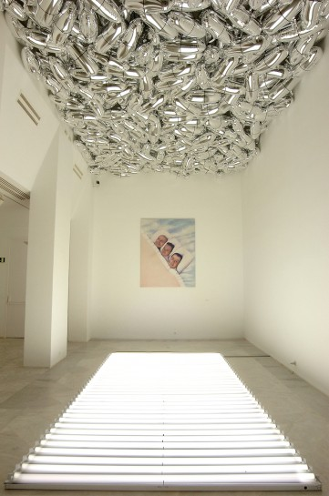 General Idea, Magi© Bullet and Magi© Carpet, 1992. Custom mylar balloons, fluorescent light fixtures. Installation view, Centro Andaluz de Arte Contemporáneo, Seville, Spain. Image courtesy Centro Andaluz de Arte Contemporáneo