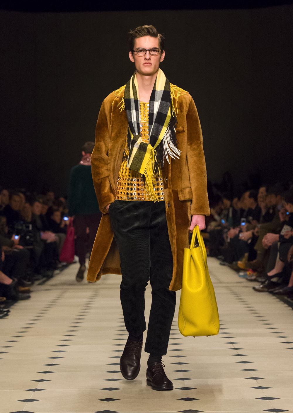 burberry hero FW15-0038