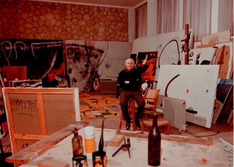 Joan Miró en el taller Sert, Palma de Mallorca 1976. Archive: Miró