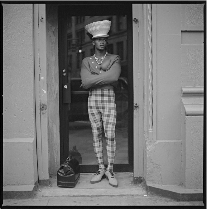 01_PressImage MUL l Jeffrey Henson-Scales, Young Man in Plaid, 1991-dandyism-black-masculinity-photographer-gallery-hero