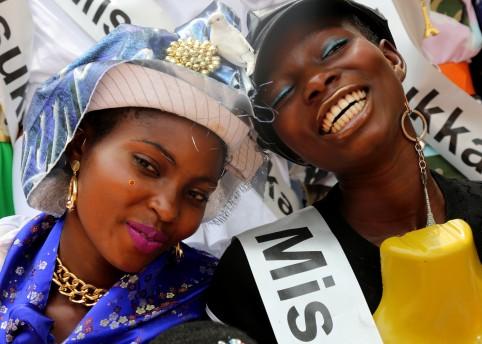 'Gidi gidi bu ugwu eze' for Kenzo Folio #1. Photography Ruth Ossai, fashion Ibrahim Kamara.