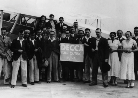 Decca workers captured for posterity (1930s) / image courtesy of Decca