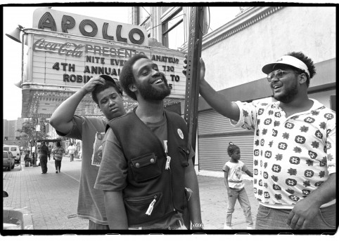 De La Soul outside The Apollo Theater, W125th St, NYC on 12 September 1993 / © David Corio, courtesy Getty Images Gallery