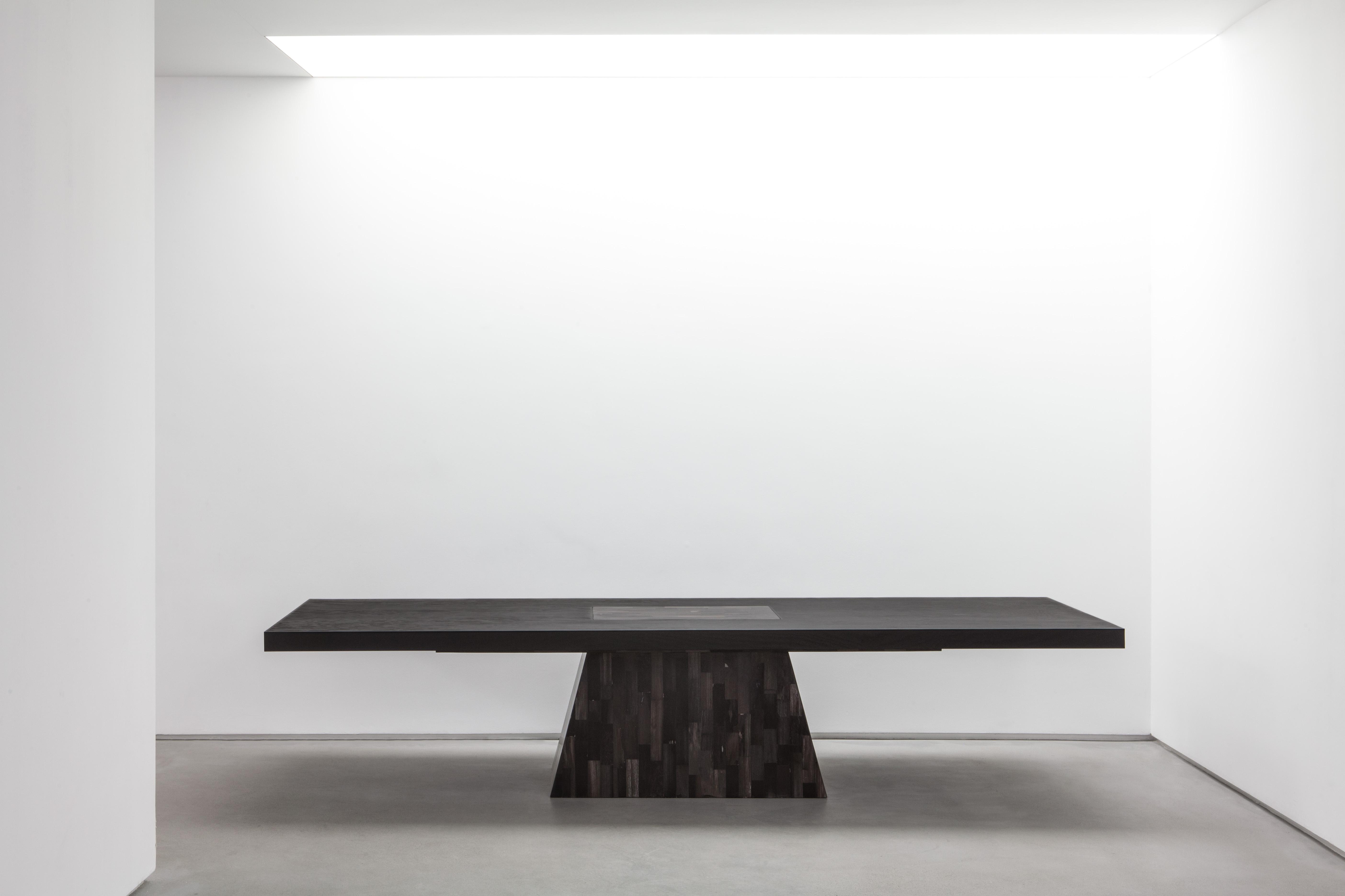 OWENS_Plug Table (Petrified Wood)_01