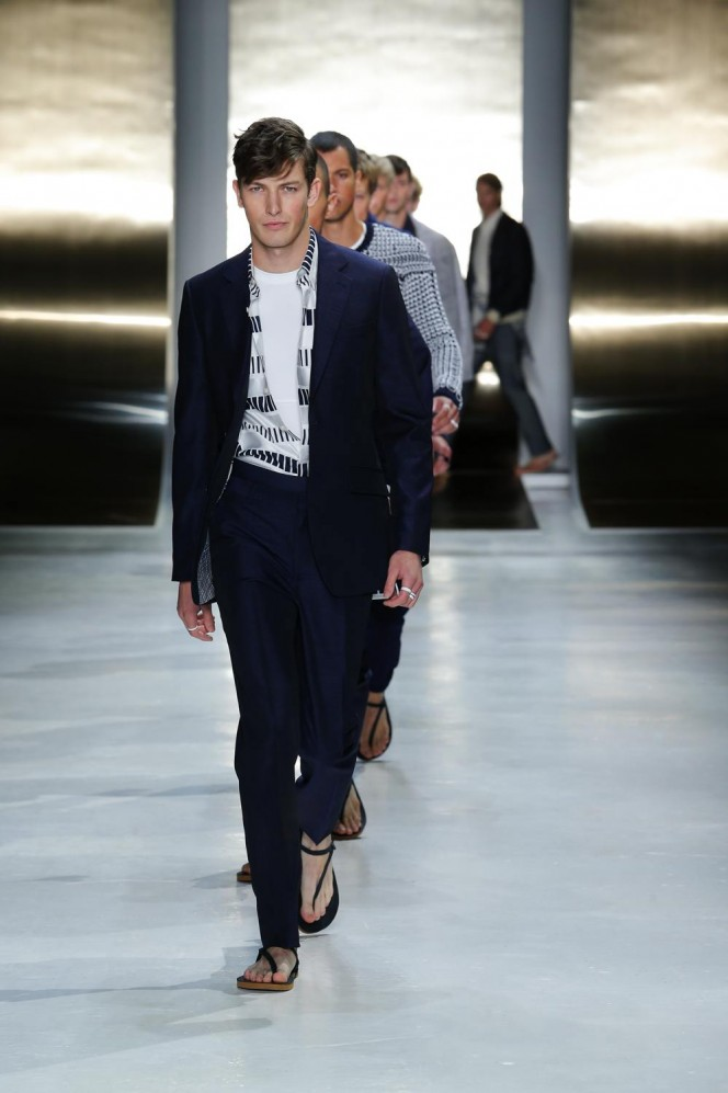 Perry Ellis HERO SS16-0040