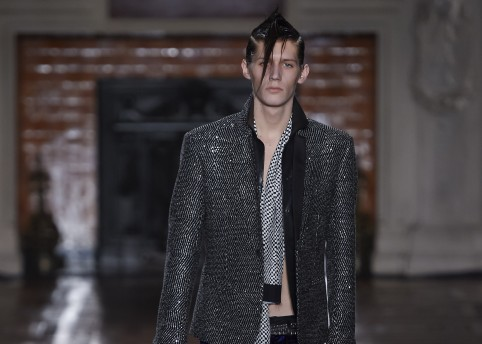 Haider Ackermann Fashion Show, Menswear Fall Winter 2016 Collection in Paris  NYT credits: Valerio Mezzanotti / NOWFASHION