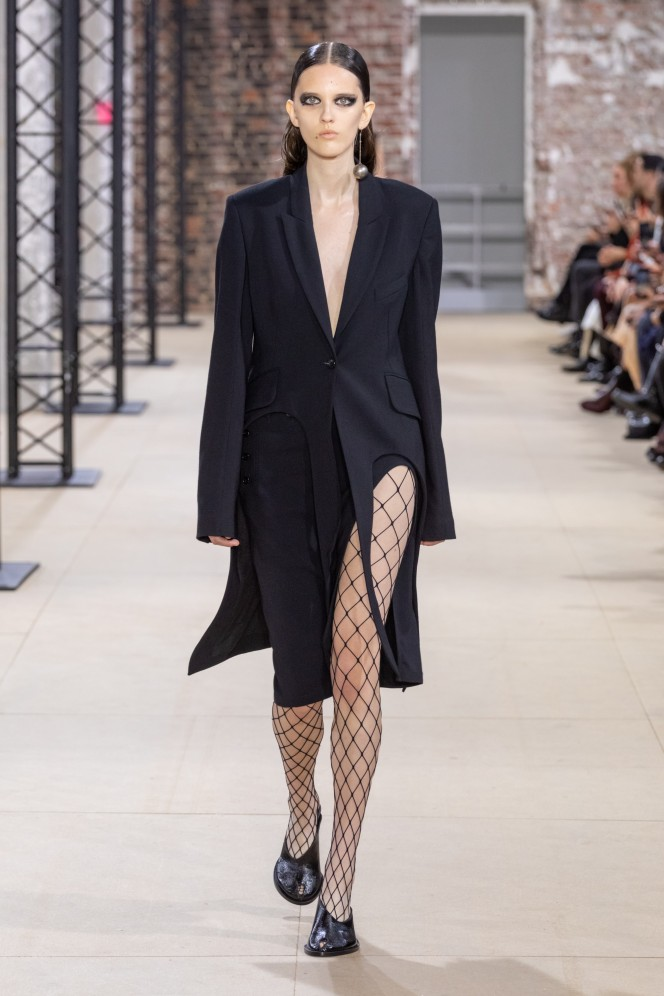 Ann Demeulemeester Fashion Show Ready to wear Collection spring Summer 2020 in Paris